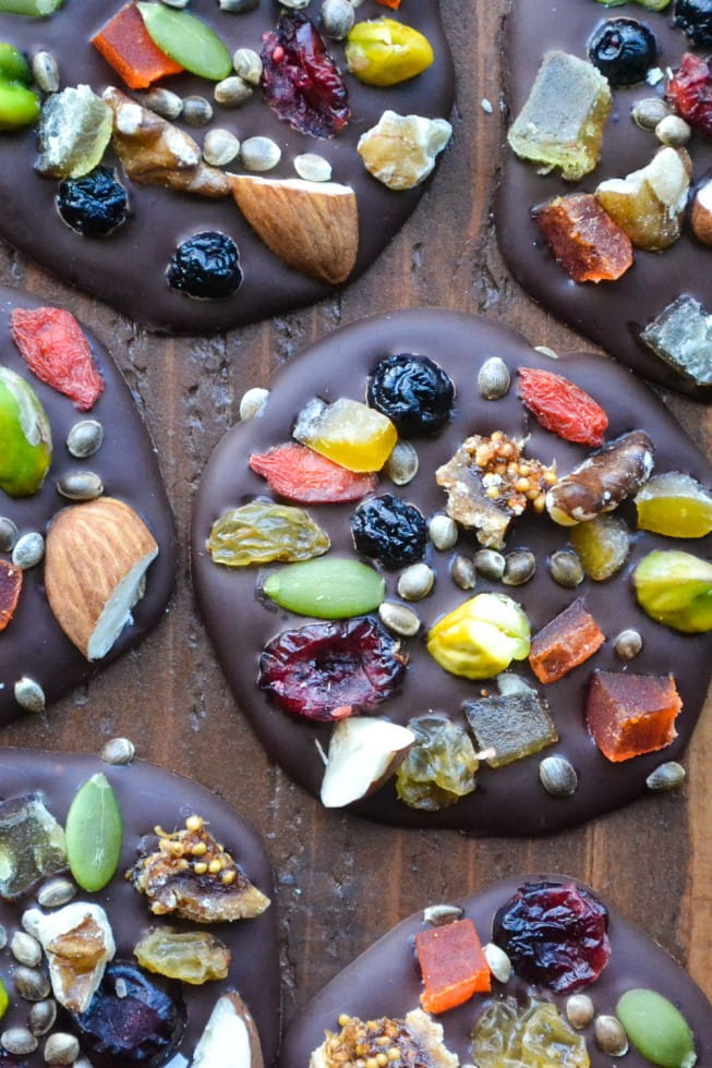 dark-chocolate-detox-bites-10