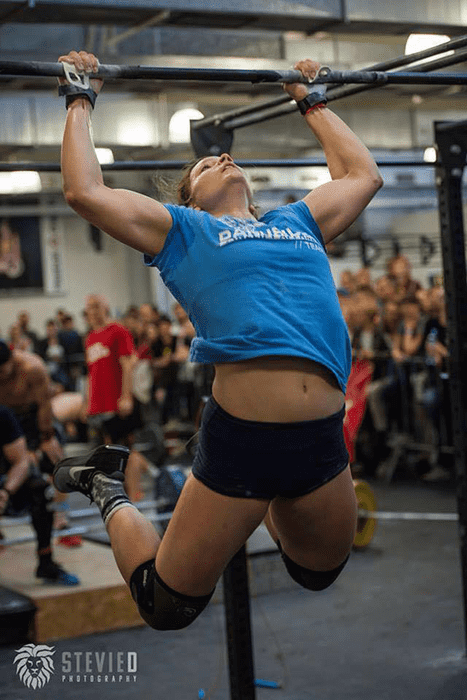 Crossfit experiences muscle up