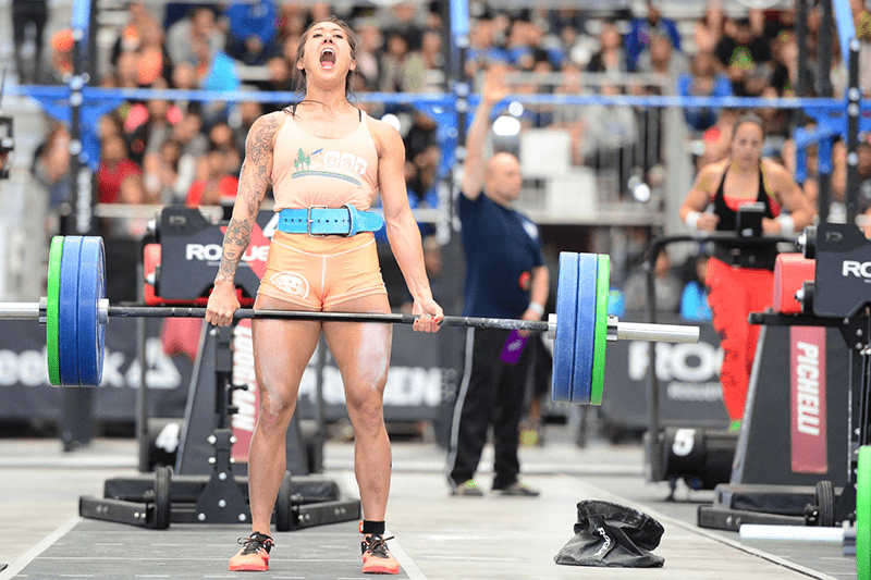 Sarah Loogman crossfit athlete competes at the californian regionals
