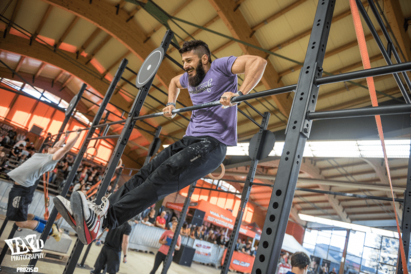 hydration for crossfit athlete doing bar muscle up