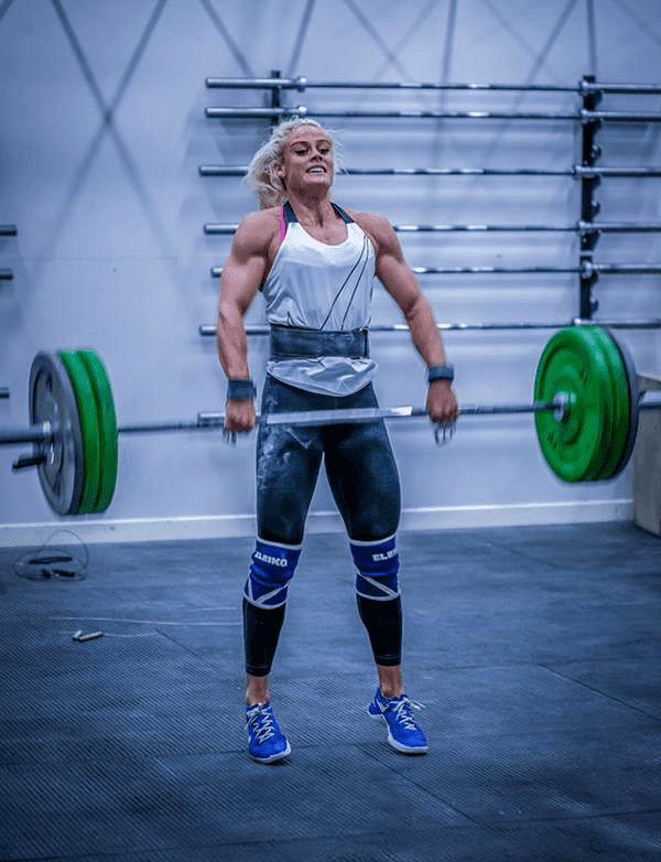 sara sigmundsdottir barbell work crossfit box