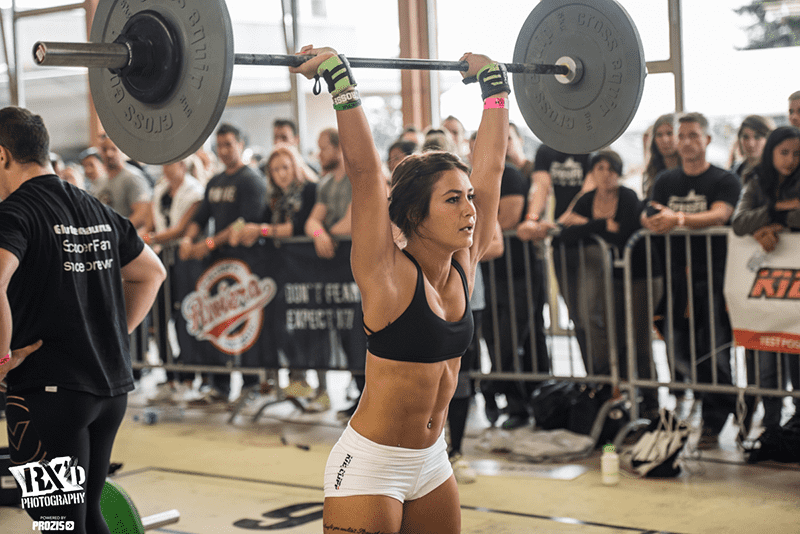 cross your limits crossfit girl thruster losing weight