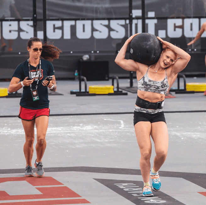 annie thorisdottir weighted carry in crossfit competition