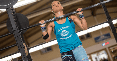 bodyweight workouts female crossfitter pull up crossfit exercises