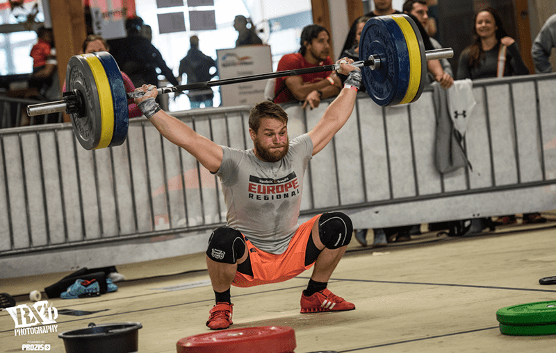 crossfit injury male athlete snatch lift weightlifting