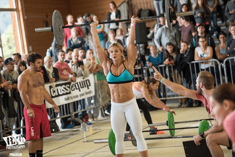 brooke ence crossfit athlete during wod