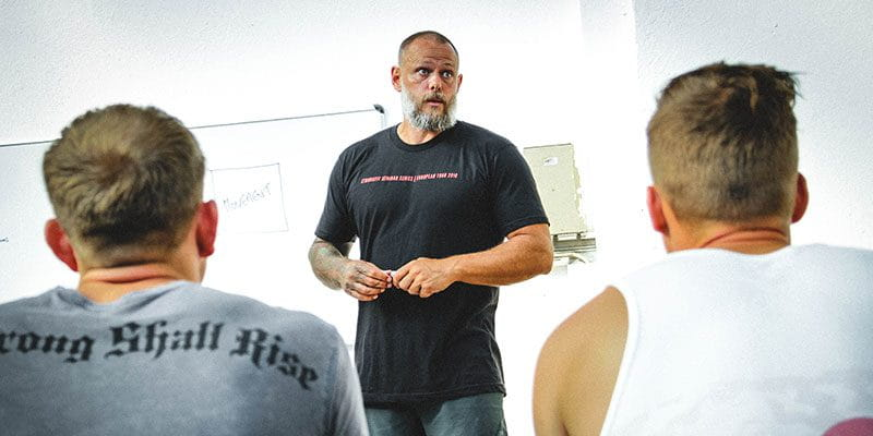 Julien Pineau teaching crossfit guys