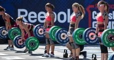 Crossfit women deadlifting at Crossifit games