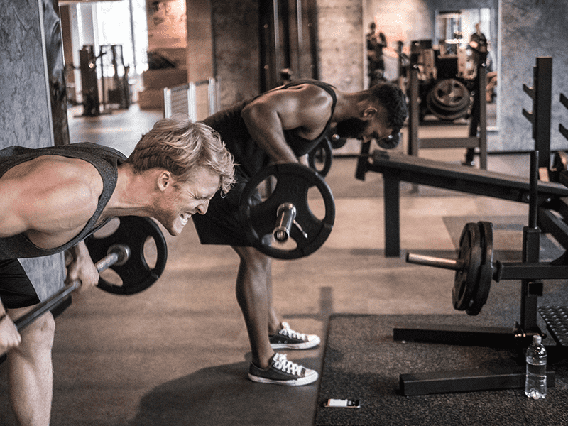 freeletics athletes smashing training plateaus with barbell rows