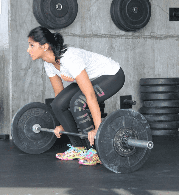 female crossfit athlete deadlifting