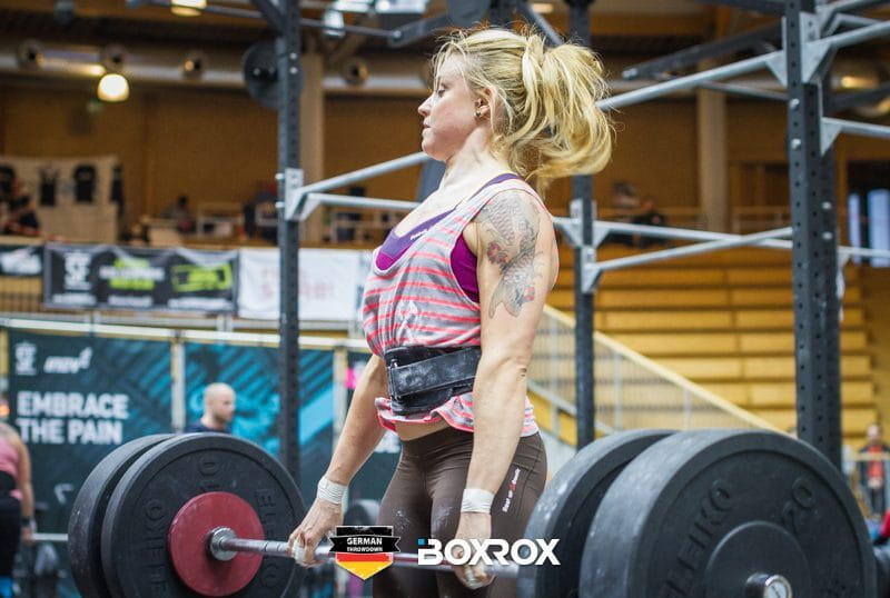 Deadlift female crossfit athlete Lose Belly Fat