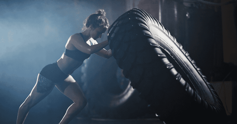 Female-Athlete-Tire-Flip