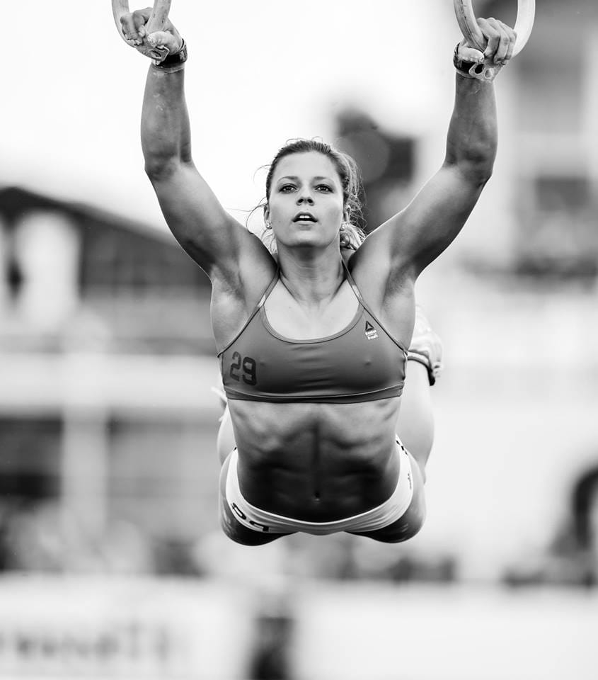 Laura Horvath Muscle Up