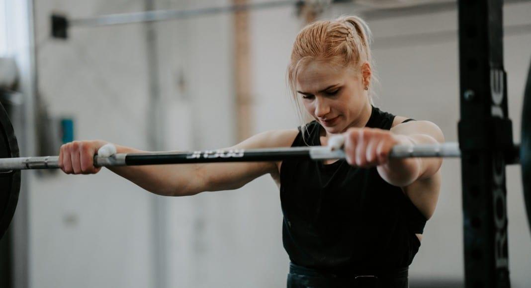 Annie Thorisdottir lifting lower back pain