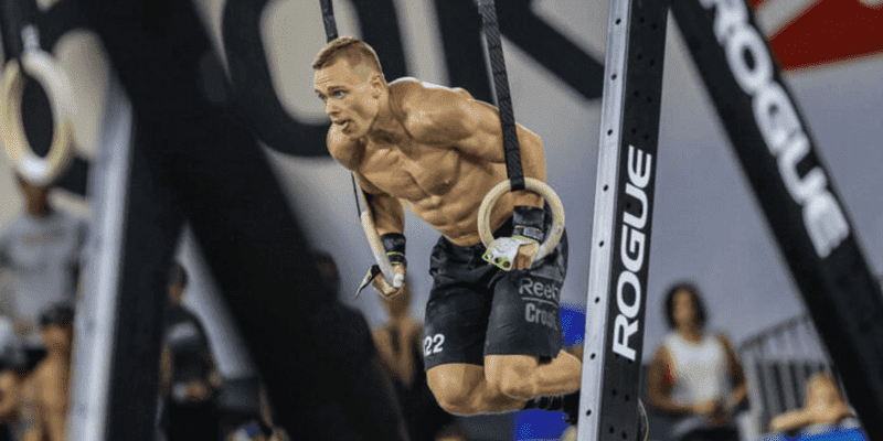 Bodyweight CrossFit workouts with ring dips