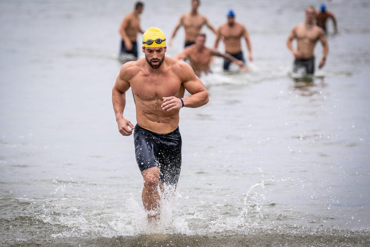 rich froning triathlon swim
