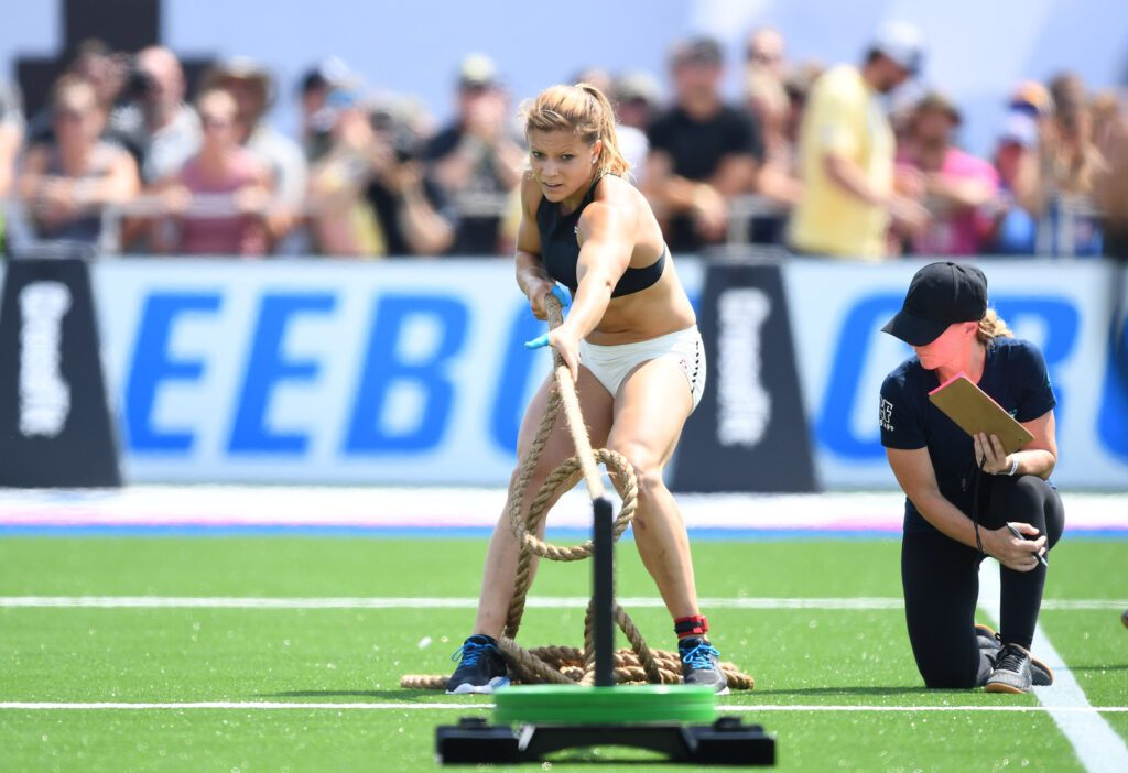2018 crossfit games laura horvath sled pull